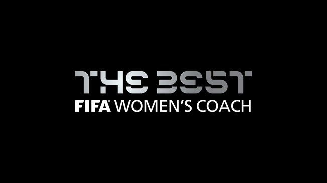 ¿Entrenador fútbol femenino?