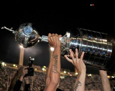 9446 - ¿Quiénes serán los campeones de los grandes torneos de fútbol del 2016?