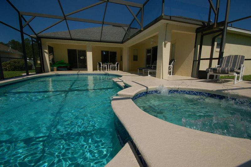 ¿Tener un jacuzzi o tener una piscina?
