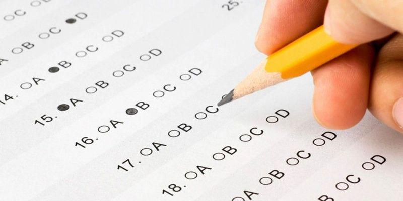 Tienes un examen la semana que viene. El tema es normalito, pero te convendría ir estudiando.